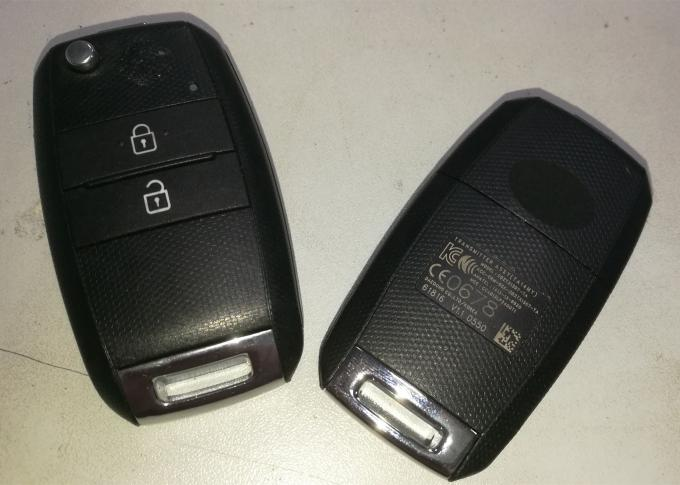 KIA Sportage Key Fob / 2 Button Remote Key Fob Model DD2TX1307-TA Frequency 433 Mhz